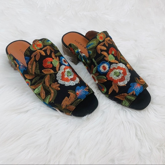 Lucky Brand Black Embroidered Noomrie